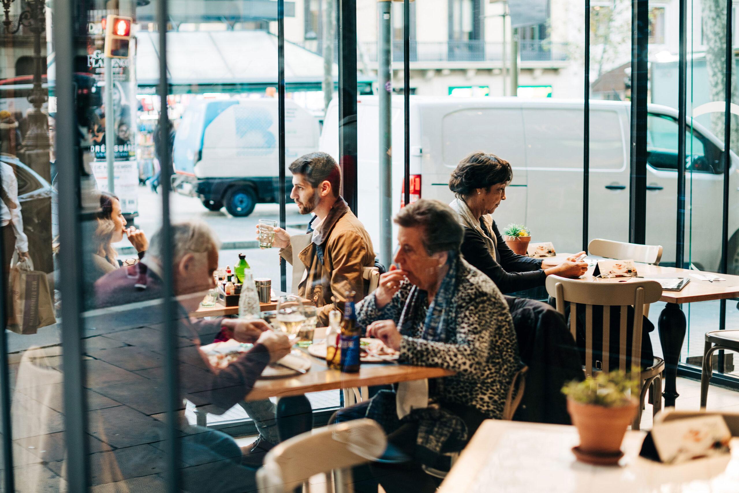 tips driks drikkepenger Barcelona Spania restaurant kafe penger