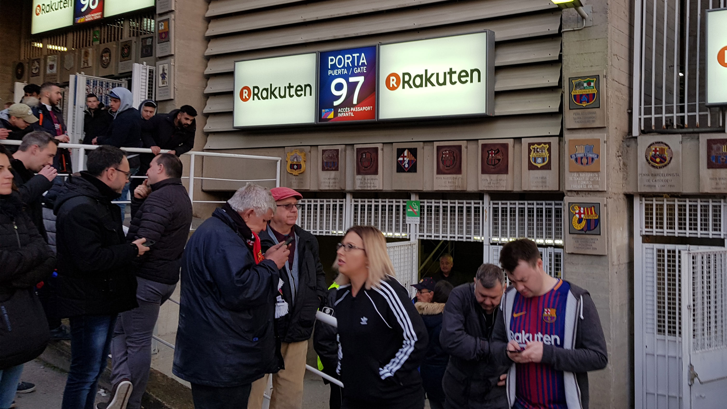 porta-camp-nou-gate-inngang