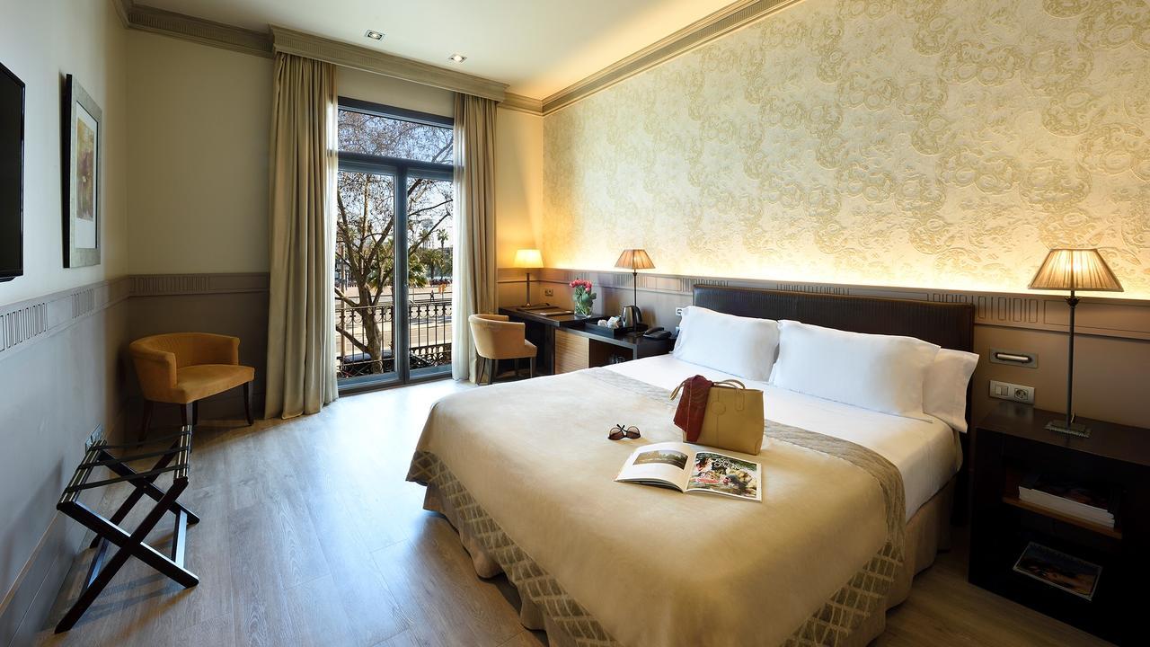 Dette bildet mangler alt-tekst; dets filnavn er Duquesa-de-Cardona-hotell-barcelona.jpg